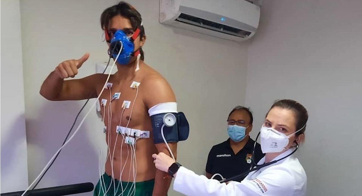 Marcelo Martins es sometido a exámenes precompetitivos. Foto: Twitter @FBF_BO
