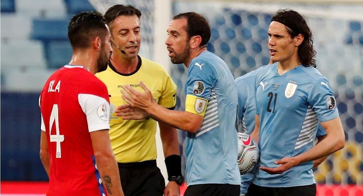 Imagen del partido Uruguay vs Chile. Foto: EFE