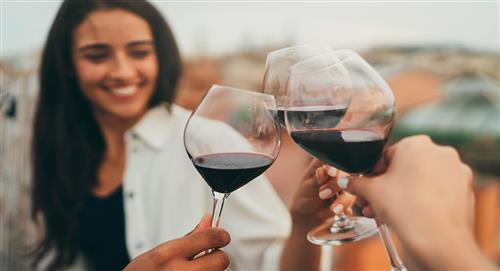 Expertos demuestran beneficios del consumo moderado vino