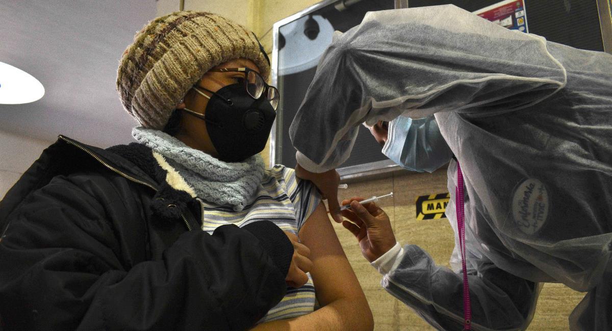 Bolivia recibió otras 500.000 dosis de la vacuna Sinopharm. Foto: EFE