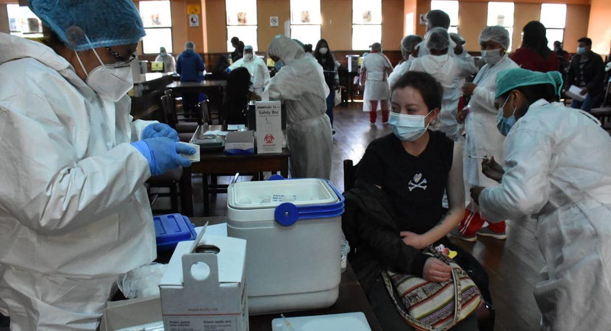 Vacunacion contra la COVID-19. Foto: ABI