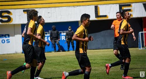 The Strongest golea a Nacional Potosí por 7 - 0