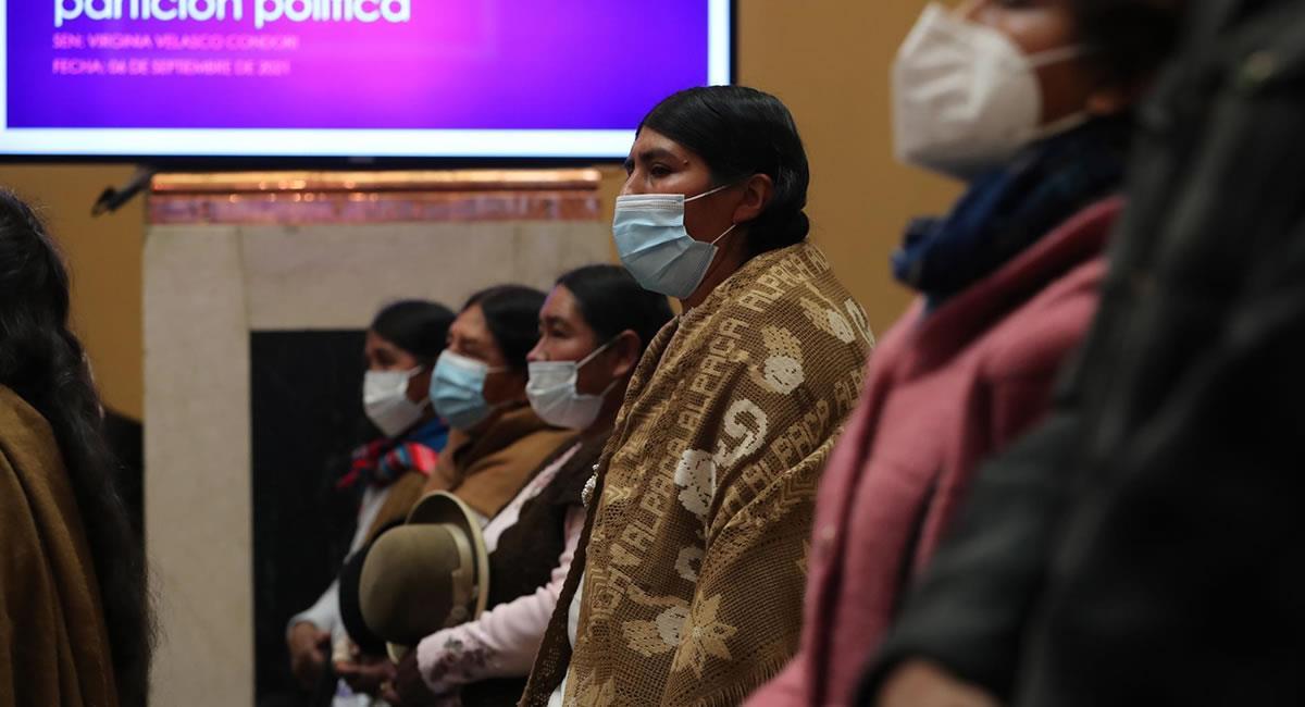 La participación política de las mujeres indígenas aún es un asunto pendiente en Bolivia. Foto: EFE