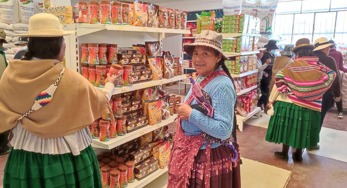 Inauguran una tienda de Emapa en Patacamaya. Foto: ABI