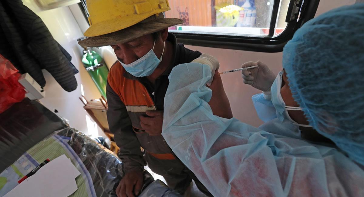 Este programa emplea las vacunas chinas Sinopharm y rusas Sputnik V. Foto: EFE
