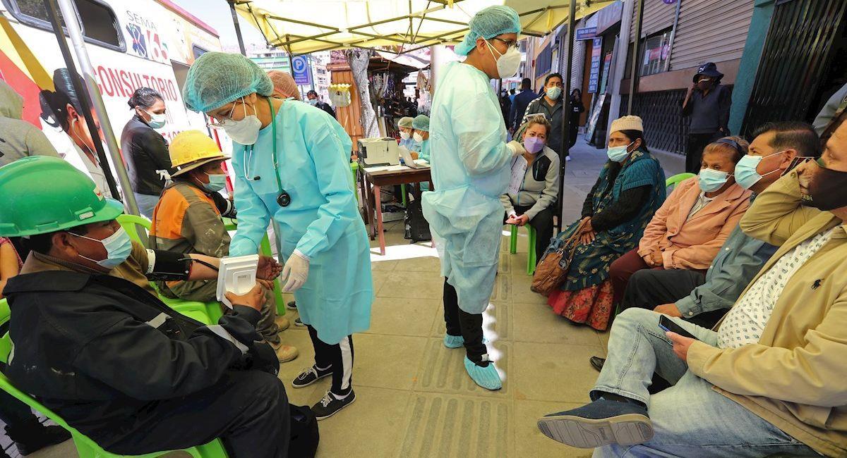 Puesto de vacunación móvil. Foto: EFE