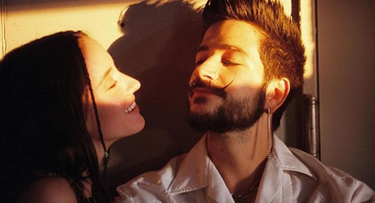 """La joven pareja hizo el anuncio con el nuevo videoclip de su canción """"índigo"""". Foto: Instagram @camilo"""